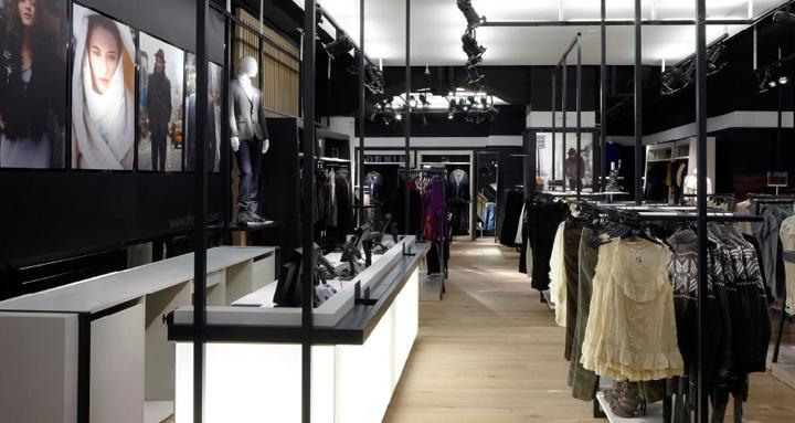 FF-fashion-store-by-Four-IV-Prague