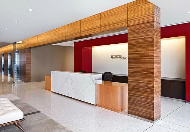 Thiết kế nội thất văn phòng lễ tân5