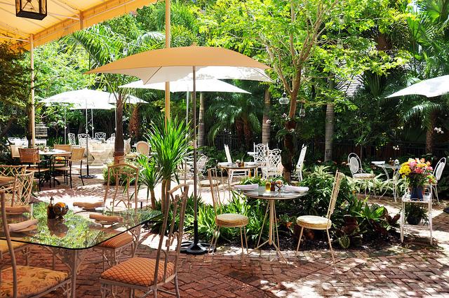 thiết kế quán cafe sân vườn1