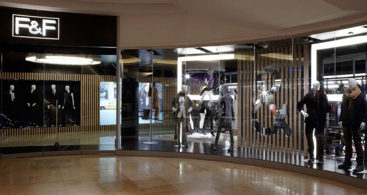 FF-fashion-store-by-Four-IV-Prague-02